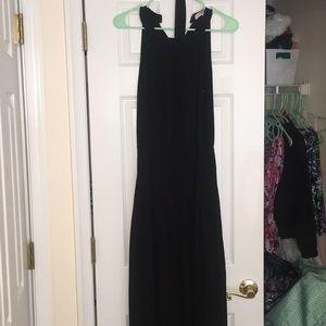 Floorlength black dress